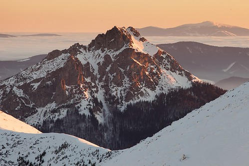 snow mountains fog clouds sunrise shine slovensko slovakia inversion malafatra rozsutec