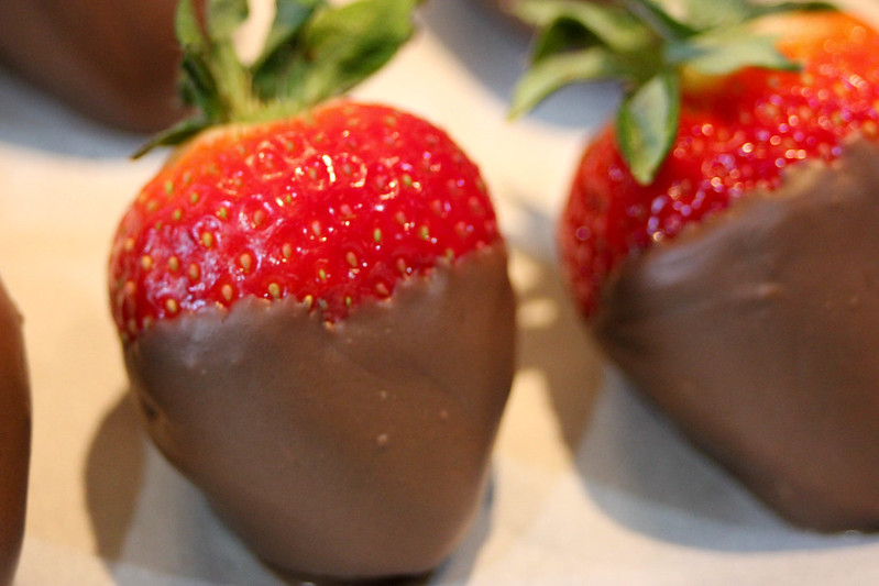 choc-strawberries-8402