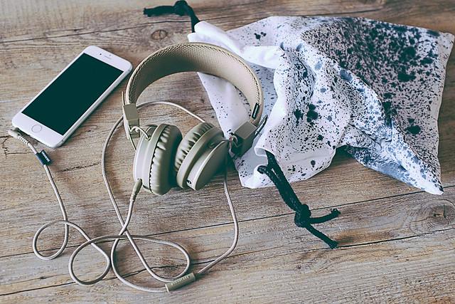 DIY  pochette pour casque audio (couture à la main)