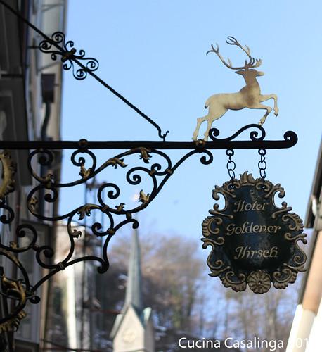 Goldener Hirsch Schild