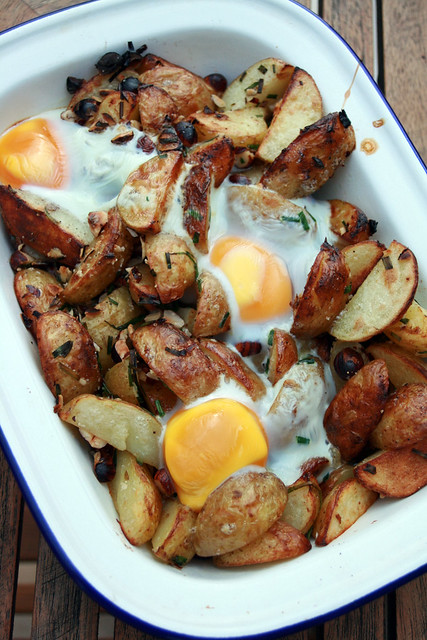 pommes de terre nouvelles de noirmoutier aux noisettes chez becky et liz blog de cuisine anglaise. Black Bedroom Furniture Sets. Home Design Ideas