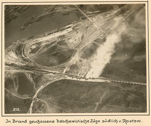 men fire smoke trains ukraine worldwari worldwarone soldiers greatwar aerials rostov officers militarypersonnel armies