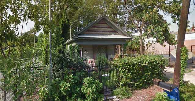 Mapview-before-2013-08-06-Cottage-at-723-Lake-Ave-Moved-to-corner-of-Waddell-Street-for-Krog-Street-Market-3