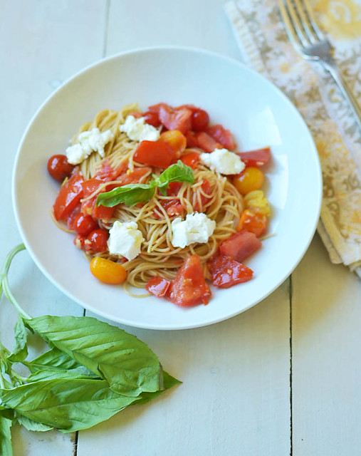 Heirloom Tomato Pomodoro with Whole Wheat Pasta via LittleFerraroKitchen.com