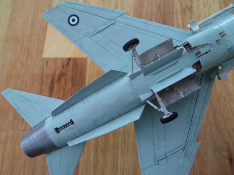 Un géant vert redoutable [Vought F-8 P Crusader Academy 1/72] 9559466268_a22df259b2_o