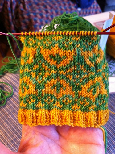 La Joie du Printemps mitten first cuff done. by BlueDragon2