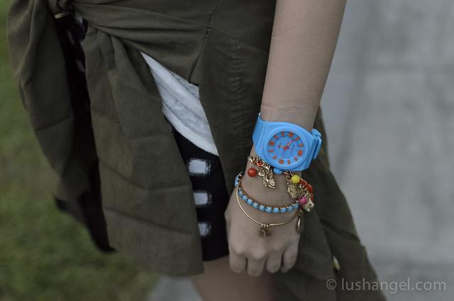 bench-fashion-watch