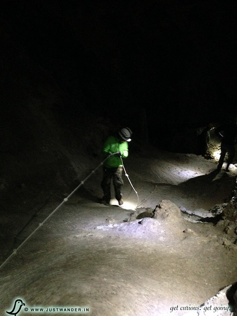 PIC: Enjoying the 3 hour Lower Cave Tour at Carlsbad Caverns National Park - Knotted Rope Climb
