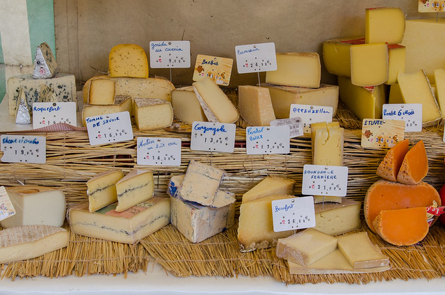 Photos of a Paris Farmers Market: Belleville-Menilmontant
