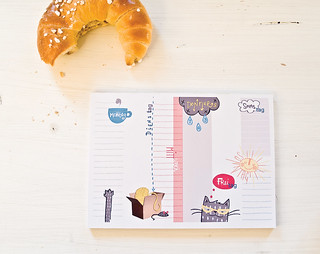 A weekly to-do-note pad