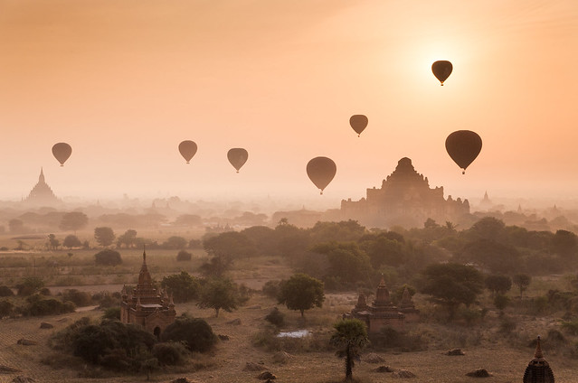 [ 117 Imagery ] - Myanmar - Misty dawn over Bagan