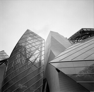 gehry's louis vuitton foundation