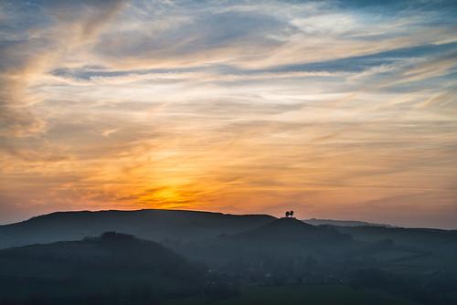 uk sunset england cloud sun mist fog night clouds landscape evening haze cloudy unitedkingdom hill dorset fields hazy bridport westcountry symondsbury westdorset colmers stephenbanks allingtonhill colmer's colmer'shill