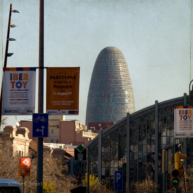 bBcn025:  Barcelona - Sant Martí - El Parc i La Llacuna del Poble Nou