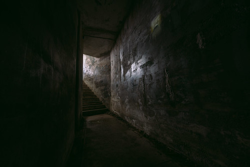 fortworden tunnel stairs armybase dark abandoned statepark pacificnorthwest military canon wideangle pnw staircase canoneos5dmarkiii samyang14mmf28ifedmcaspherical johnwestrock washington