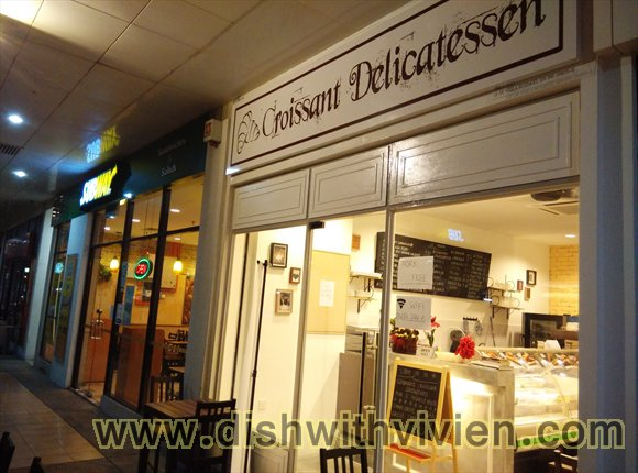 Croissant_Delicatessen1