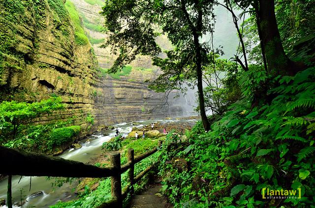 Path to Hikong Bente