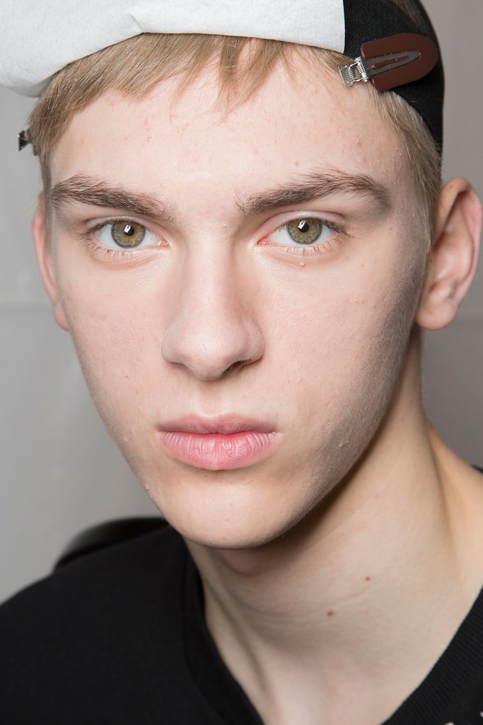 Dominik Sadoch3267_FW15 Paris Louis Vuitton(fashionising.com)
