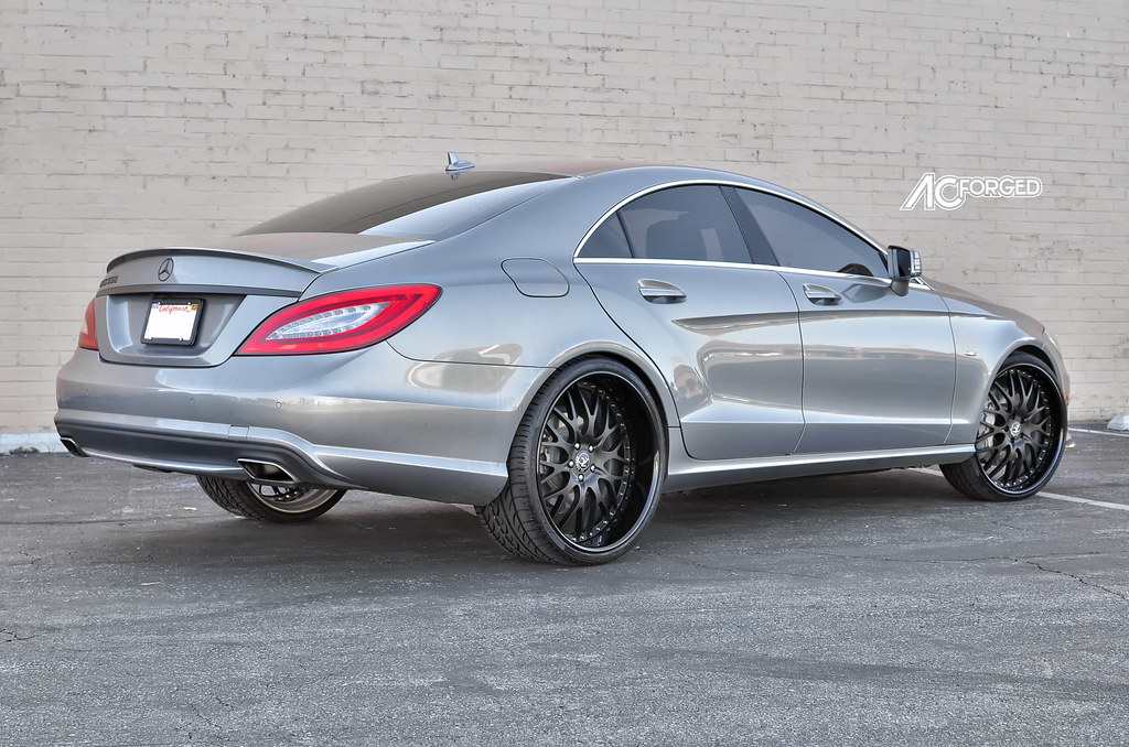 "Pirelli P Zero Nero >> 22"" AC Forged 313 matte black wheels 