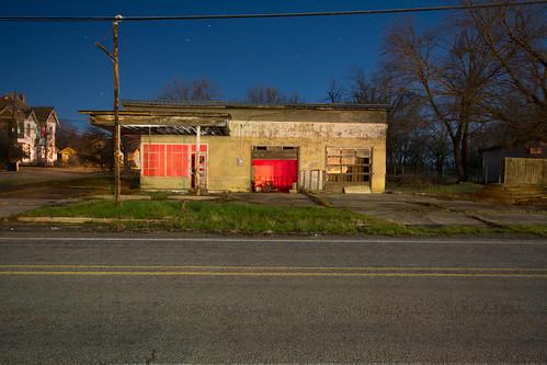 nightphotography lightpainting abandoned texas servicestation ladonia