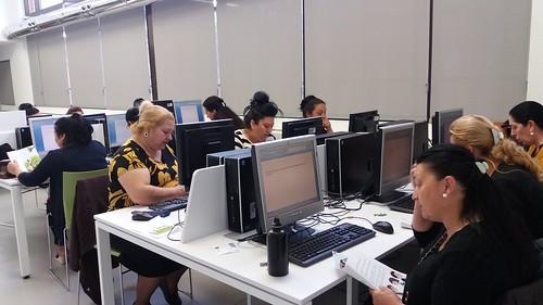 InnovadorasTIC: Curso de iniciación al uso del ordenador e Internet. Mujeres Gitanas Romi Serseni-Madrid