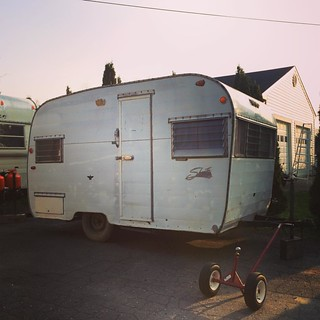 I just bought this house. #vintagetrailer #shasta #landyacht
