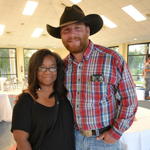 How cool was it that I got to meet this cool cowboy. What an awesome heart he has for children charities. #inthepinesmusicfestival #tyesturgeon #48statesforchildrenbyhorseback