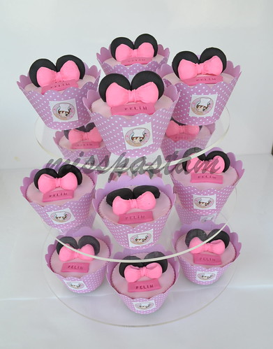 minnie mouse cupkek by MİSSPASTAM