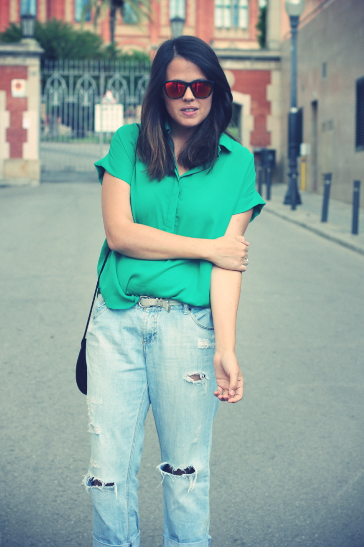 Look camisa verde + Boyfriend Jeans