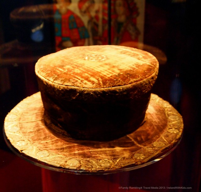 hat worn by Henry IIIV