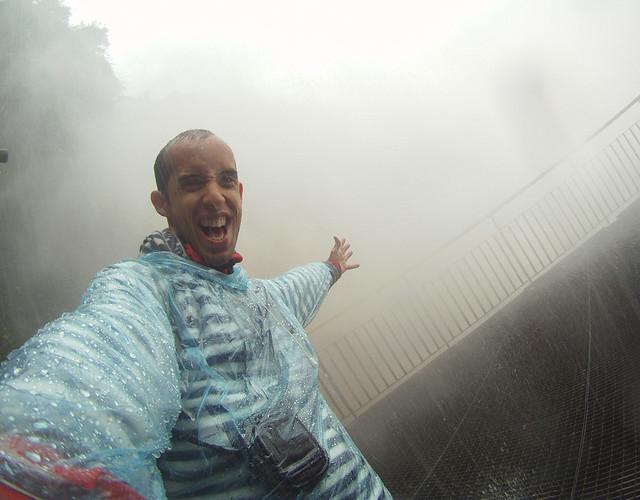 Bajo el agua en cataratas de iguazu