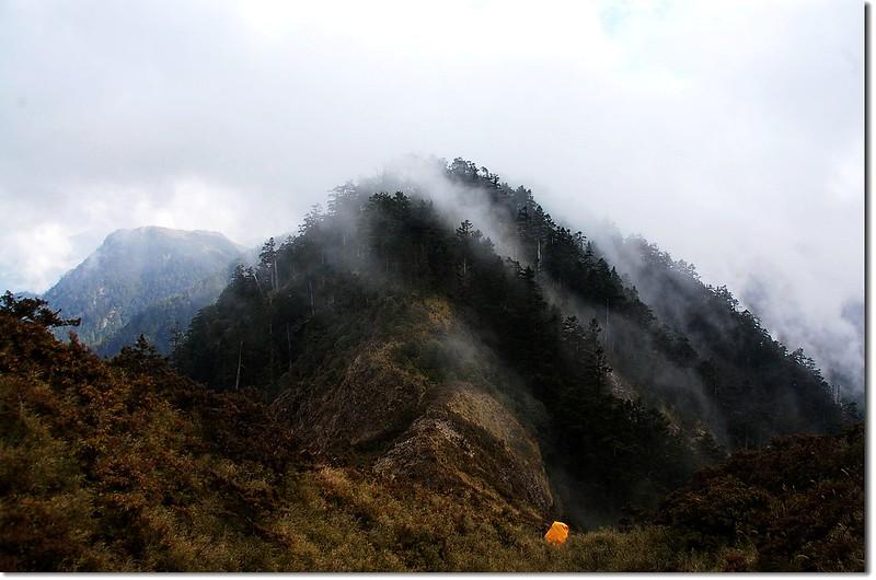 霧鎖干卓萬斷崖 2