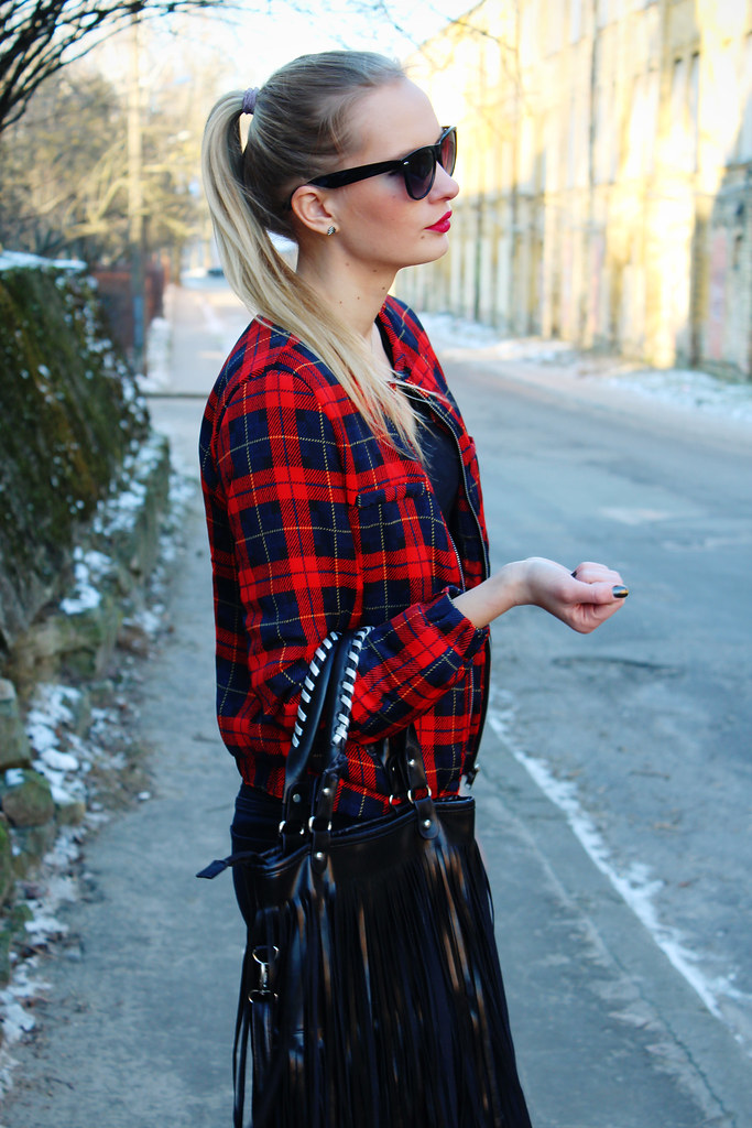 Newest outfit post on Call me Maddie: I am wearing a tartan bomber jacket from Persunmall, biker style denim jeans from H&M, ankle boots from H&M, fringed tassel bag from Ebay, Geneva silicone watch from Ebay, camera necklace from Primark
