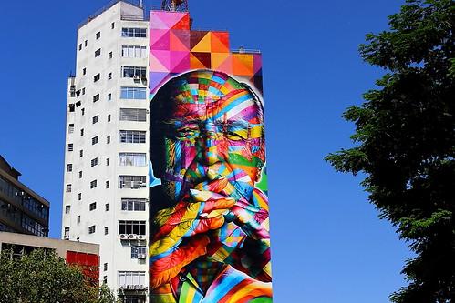 Oscar Niemeyer na Av Paulista 1