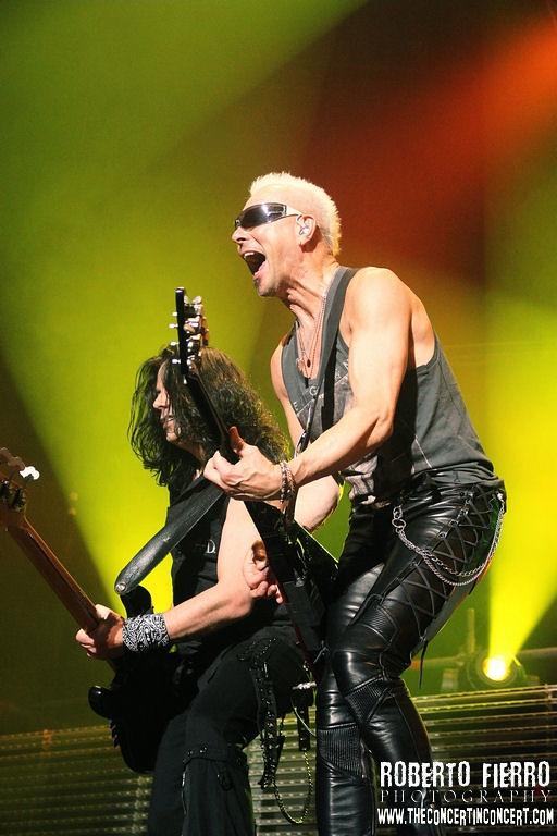 13010722083 e2aabe2c69 b Scorpions + H.E.A.T – 7 de Marzo14 – Palacio Vistalegre – (Madrid)