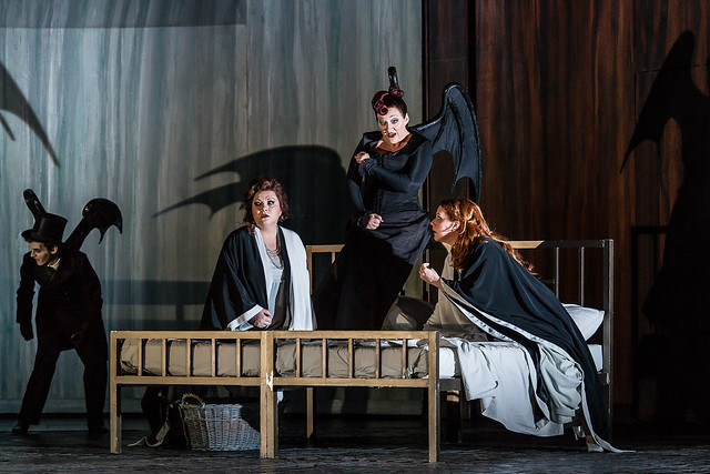 Elena Pankratova as Barak's Wife, Michaela Schuster as Nurse and Emily Magee as the Empress in Die Frau ohne Schatten © ROH / Clive Barda 2014