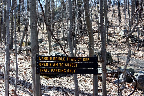 statepark horses signs ct connnecticut middleburyct whittemoreglenstatepark stateparksigns ronpersan bridletrailct larkinbridletrailct