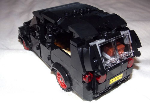 LEGO Minifigure scale Car - 7-wide SUV - seats 7 minifigs - MODded tailgate 1