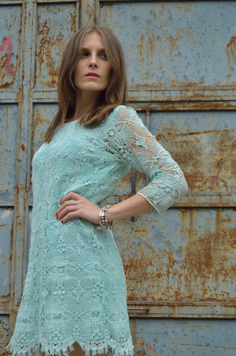 lara-vazquez-madlulablog-dress-chic-pastel-lace-mint