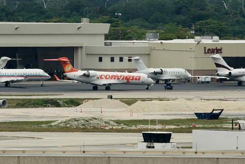 Aircraft (CRJ7) silhouette