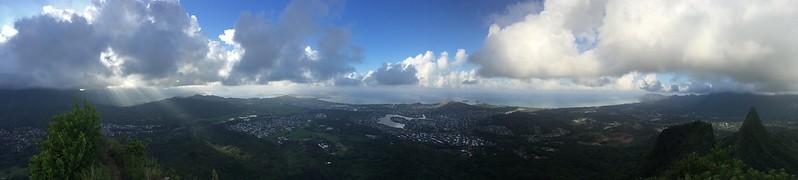 Beeindruckender Blick von einem der Gipfel des Olomana Trails.