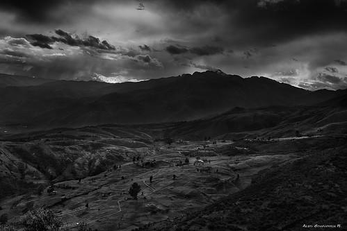 blackandwhite landscape bolivia wb bn valley hiddenvalley fineartphotography cochabamba tunari canon550d tunarinationalpark