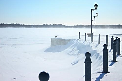 snow canada quebec winterbeauty frozenlac traverséeokahudson twomountainslac