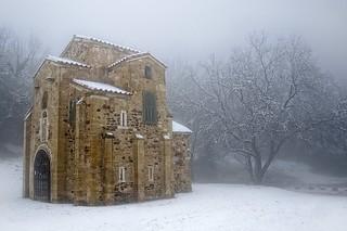 Gambar dari San Miguel de Lillo.