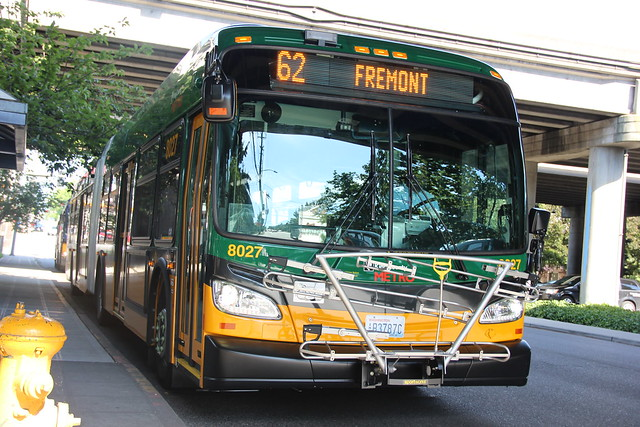 king county metro 2015 New Flyer XDE60 8027  in Rt.62