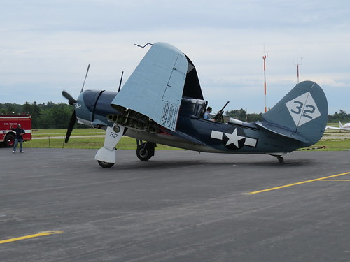 Sat, 06/11/2016 - 11:03am - Curtiss SB2C Helldiver, flown by CAF Air Power Squadron, Nashua, NH 6-11-2016<br />