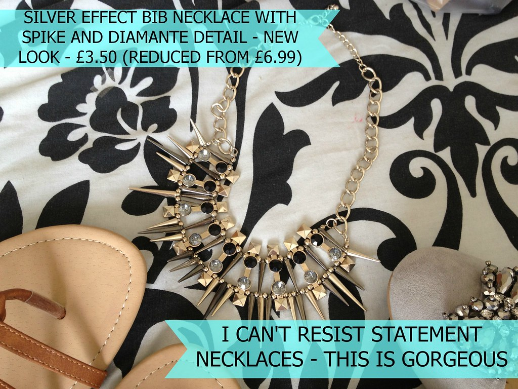 Silver_Effect_Bib_Necklace_Spiked_New_Look