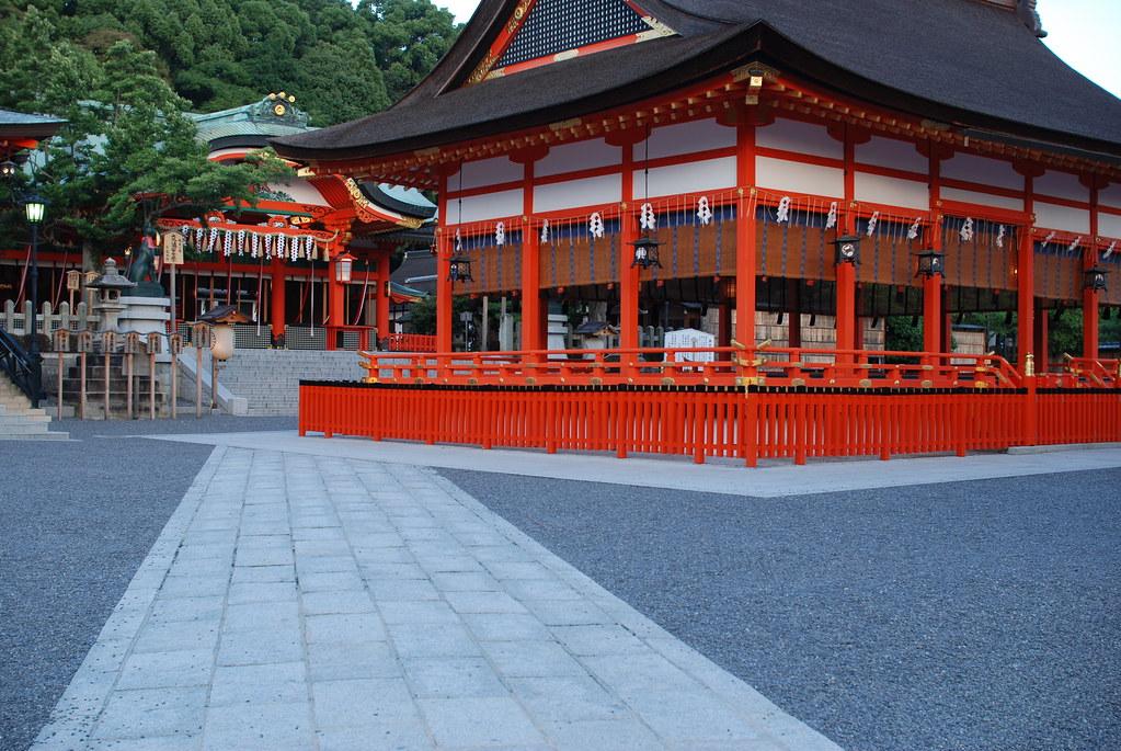 伏見稲荷大社 拝殿