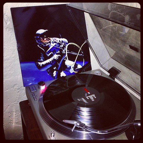 #afghanwhigs #1965 #nowspinning #clubrpm #vinyligclub #photographicplaylist #todaysoundslikethis #prettysurethesedudesareworkingonanewalbum by Big Gay Dragon