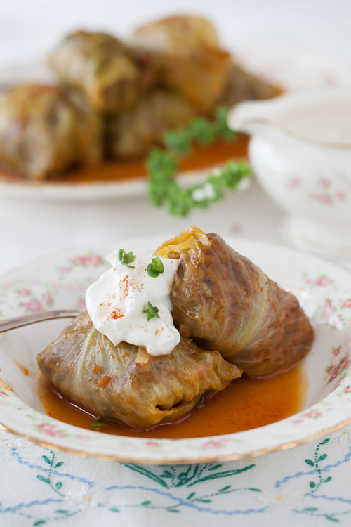 "Russian Monday:""Golubtsy"" Stuffed Cabbage Rolls Recipe: http://www.melangery.com/2013/09/russian-mondaygolubtsy-stuffed-cabbage.html"